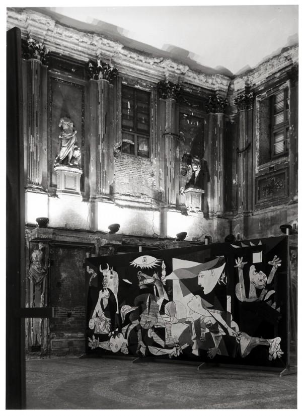 Mostra di Pablo Picasso, Sala delle Cariatidi, Milano, 1953