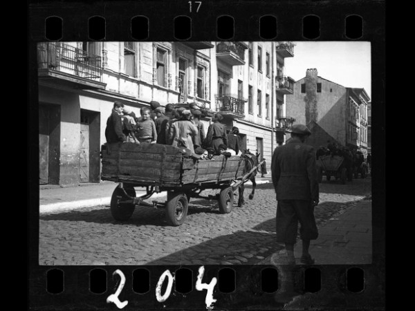 Henryk Ross, Children being transported to Chelmno nad Nerem (renamed Kulmhof) death camp, 1942