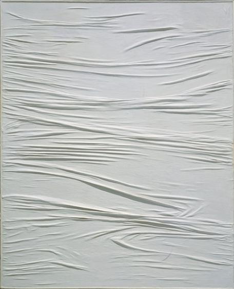 Manzoni, Achrome, 1958 c., tela grinzata e caolino, 160 × 130 cm