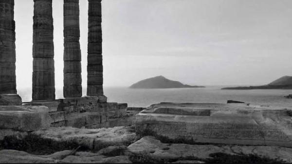 Koudelka, Tempio di Poseidone, Grecia, 2003 © Josef Koudelka,Magnum Photos